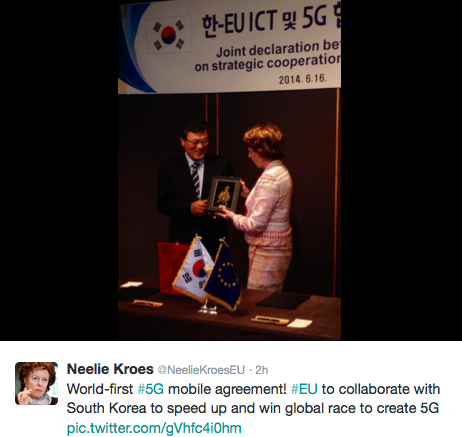 """I morse, svensk lokal tid, twittrade Neelie Kroes denna bild med texten: """"EU i samarbete med Sydkorea för att få fart och vinna del globala racet för 5g."""""""