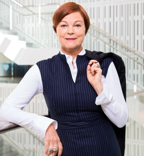 Hon tar över Telenors företagsaffär