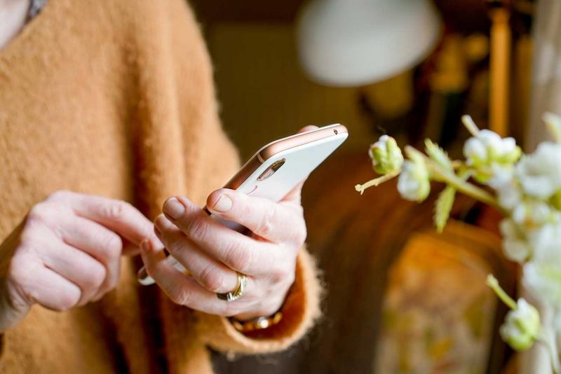Studie: Digitaliseringen lämnar äldre utanför