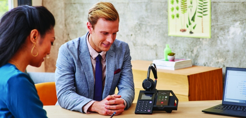 Vi testar Polys bordstelefon light för mobila användare