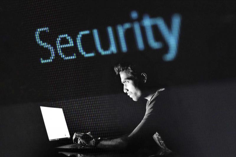 FCC pekar ut fem företag som utgör säkerhetshot