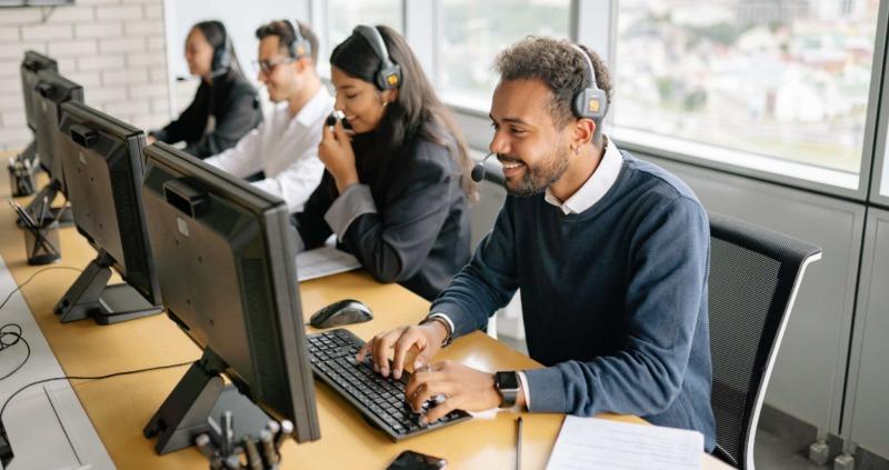 Så kan chefen hantera stress i kontaktcentret – varningstecken att hålla koll på
