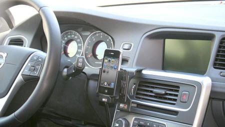 Hållare förbättrar täckning i bilen